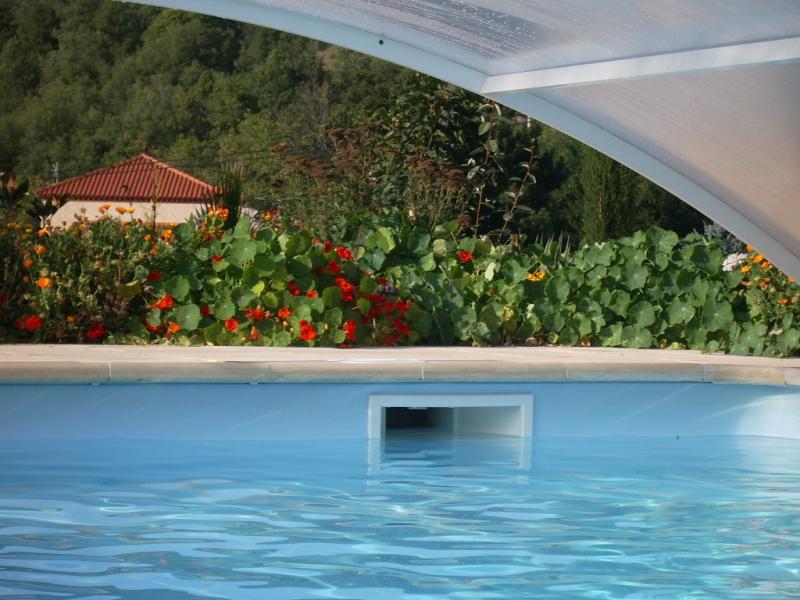 chambres et table d 39 hotes la grange fleurie vernet les bains h bergement vernet les bains. Black Bedroom Furniture Sets. Home Design Ideas
